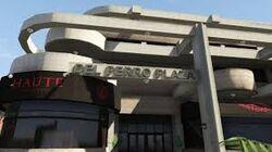 Del Perro Plaza Restaurant