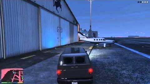 GTA V - Light Blue Vestra