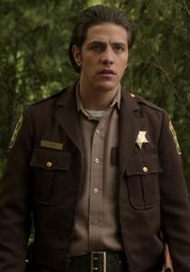 Garrett Sykes 1x03
