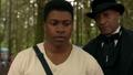 1x05 Joel Goodson Tall Man Holyoke bois forêt ordre tuer Amy Hughes