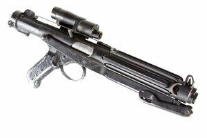 Star-wars-a-new-hope-imperial-stormtrooper-blaster-e-11-sterling-original-prop-01