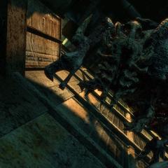 Инопланетный нероморф в шахте лифта, ведущий к <a href=