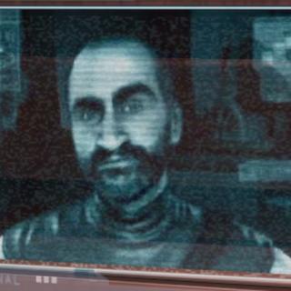 Мерсер говорит с Айзеком по ИКСу