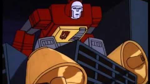 Transformers G1 Blaster vs Soundwave