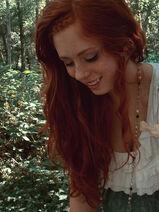 Auburn-forest-freckles-ginger-green-long-hair-Favim.com-108572