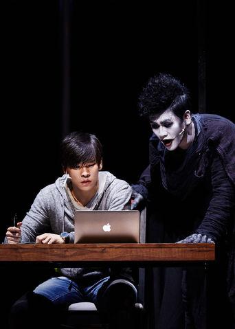 File:Musical Korean promo Light and Ryuk.jpg