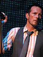 Scott weiland with mic