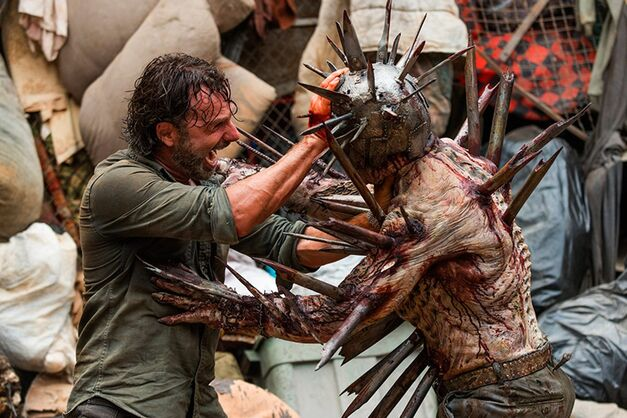 The Walking Dead Spiked Walker Winslow
