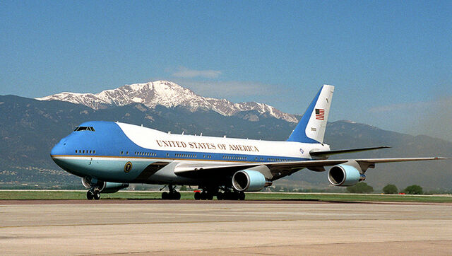 File:Air Force One on the ground.jpg