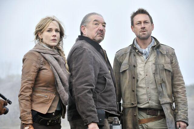 File:008 Pilot episode still of Amanda Rosewater, Rafe McCawley and Joshua Nolan.JPG