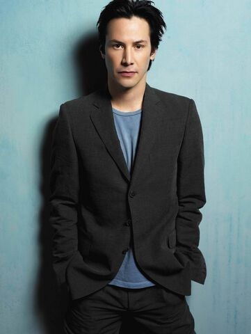 File:Keanu-Reeves-Tom-Munro-photoshoot-1.jpg