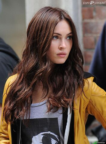 File:1423751-megan-fox-sur-le-tournage-de-teenage-950x0-1.jpg