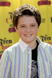 Josh Hutcherson 2005 Teen Choice Awards Arrivals eOuHB3hCJOZl