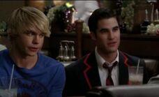 Blaine-Sam-3-darren-criss-and-chord-overstreet-23687763-442-270