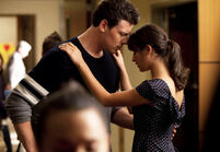 Glee 2 19 preview rachel and finn spying on kurt