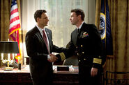 Scandal - Fitz shakes Jake's hand in Oval