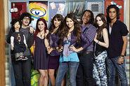 400px-Victorious Season 1 Cast Promo Image