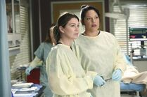 Callie-and-meredith-at-work-greys-anatomy-s11e7
