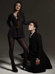 Leighted-blair-and-chuck-32248804-500-667