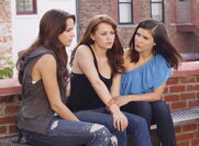 Quinn-Haley-Brooke-one-tree-hill-9285987-1226-900