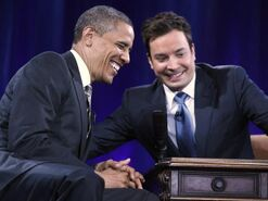 Obama-laughs-with-fallon