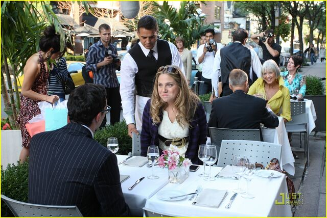 File:Lauren-collins-degrassi-goes-hollywood-15.jpg