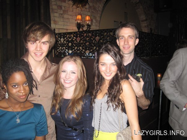 File:Annie clark degrassi season 9 wrap party degrassi 9028191 604 453 78yzB2K sized.jpg