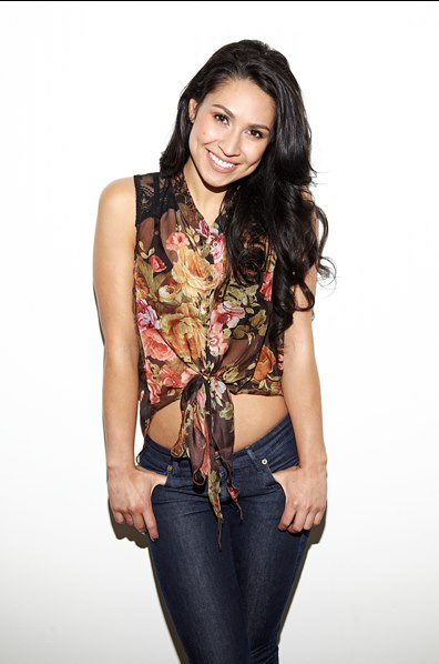 Cassie Steele photos