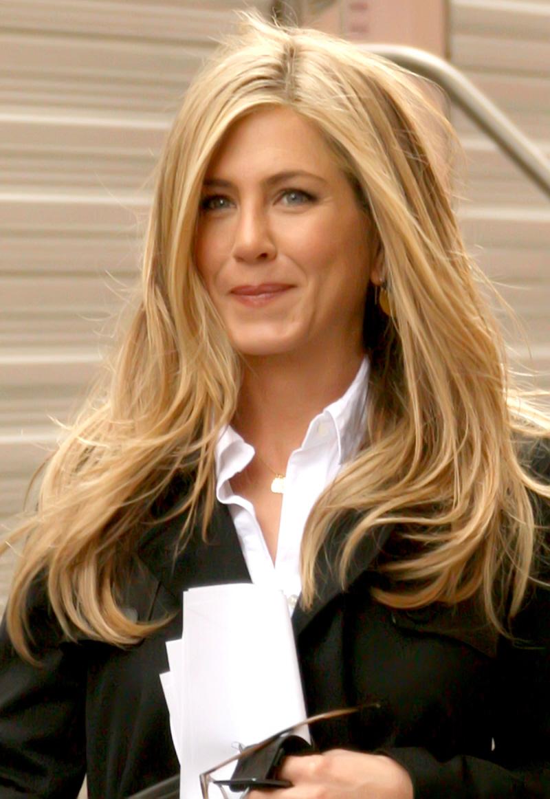 Image Jennifer Aniston Film Set 11 Wenn5573917g Degrassi Wiki