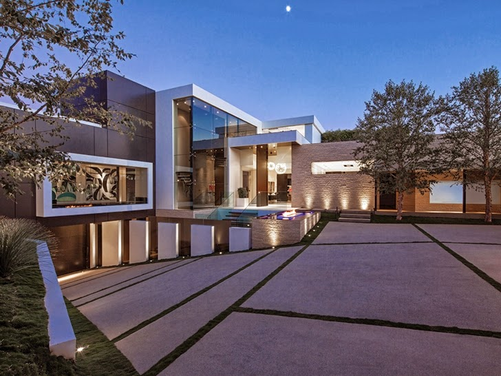 Image perfect modern mansion in beverly hills on world for Mansiones lujosas modernas