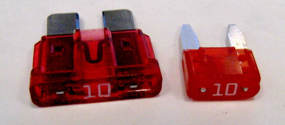 fuses and fuse box delorean tech wiki fandom powered by wikia rh deloreantech wikia com replacement fuses for fuse box buy fuses for fuse box