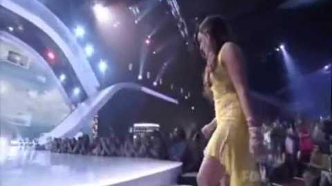 Demi Lovato Wins Teen Choice Awards 2011 For Skyscraper & Acuvue Inspire Award-1
