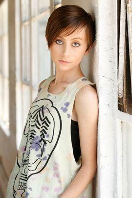 Allisyn Ashley Arm 2015