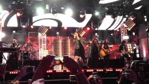 Heart Attack Demi Lovato Live at Jimmy Kimmel 4.1