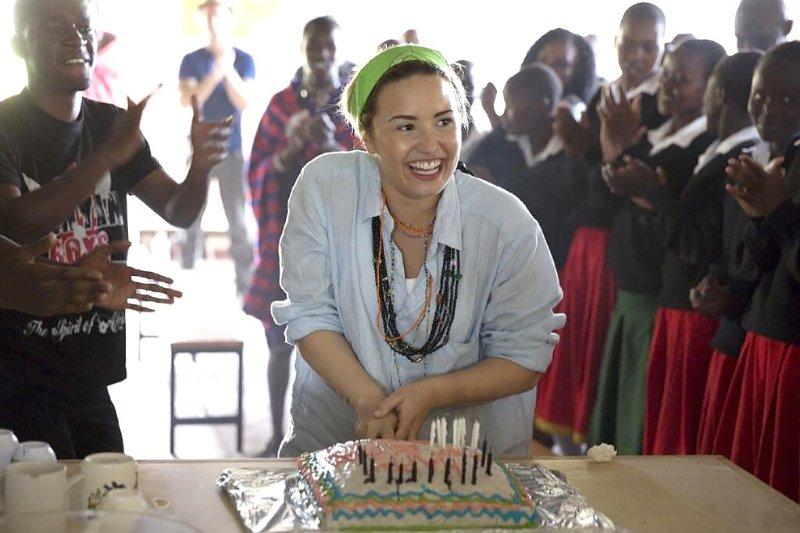 Demi Lovato Gets A Goat For Her St Birthday Jpg