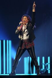 Demi-lovato-neon-lights-concert-tour