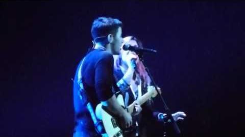 Demi Lovato w Nick Jonas - Here We Go Again (SAP Center, San Jose, CA) 2 11 2014