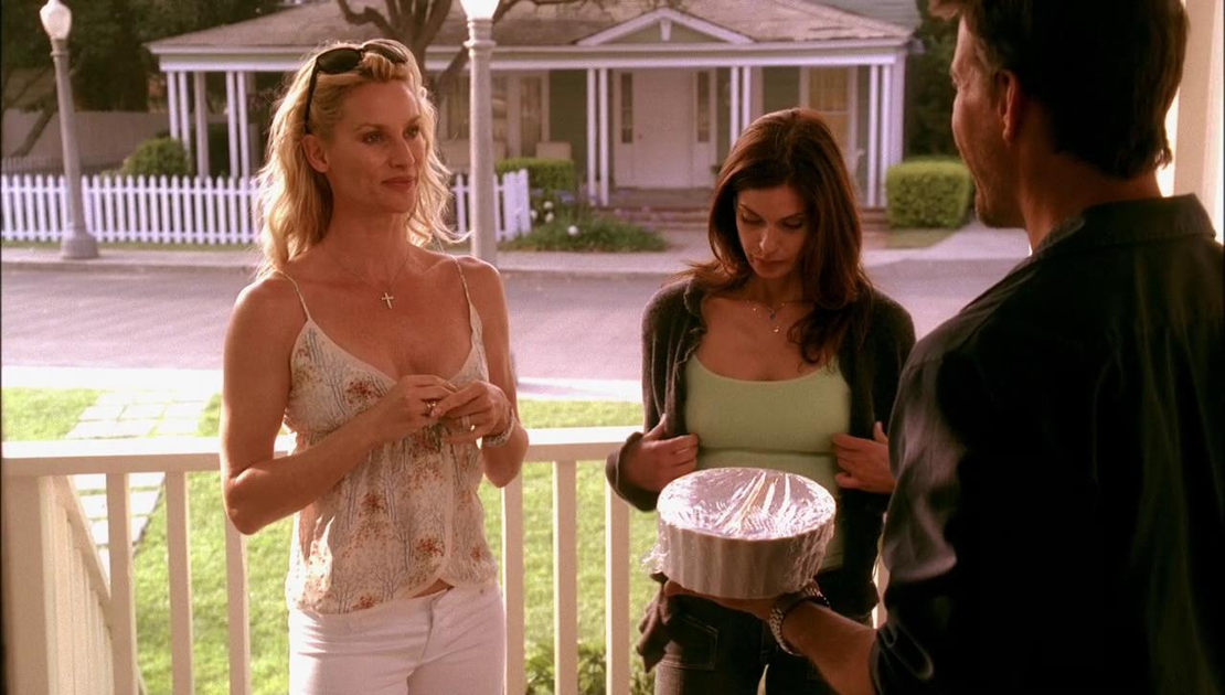 c8ec7f67152 The war for Mike Delfino is on between Edie and Susan. (
