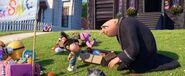 Despicable-me-3-Agnes selling thing and Gru