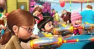 Margo-Edith-and-Agnes-at-the-theme-park-despicable-me-13770489-550-285
