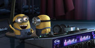 DJ-minions-despicable-me-13770922-616-315