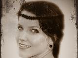Isabelle Halliwell (née Drummond)