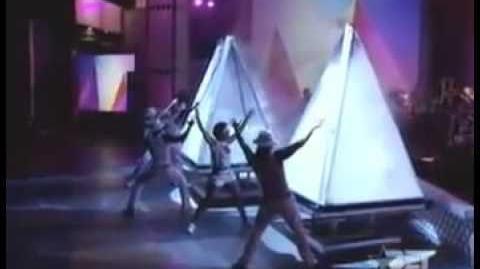 Bootylicious no BET Awards 2001.