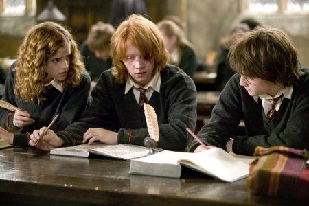Hermione-reading