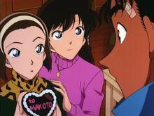 Sonoko Presents Her Chocolate to Makoto