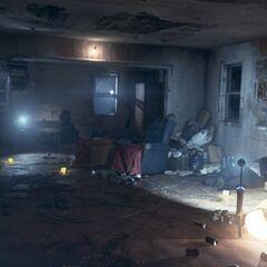 Wohnzimmer mit Ortiz' Leiche