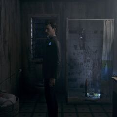 Connor im Badezimmer