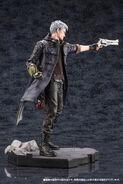 DMC5 ARTFX J Dante & Nero figures PVs (5)