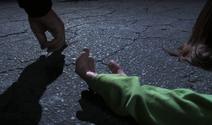 Arthur places Vera's ashes near Tarla's hand 5