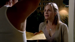 1x07 - Circle of Friends 9